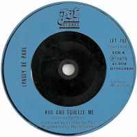 Cover Lynsey De Paul - Hug And Squeeze Me